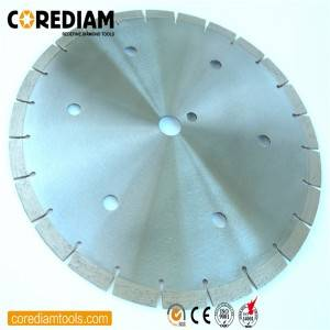Sinter hot-pressed concrete saw blade