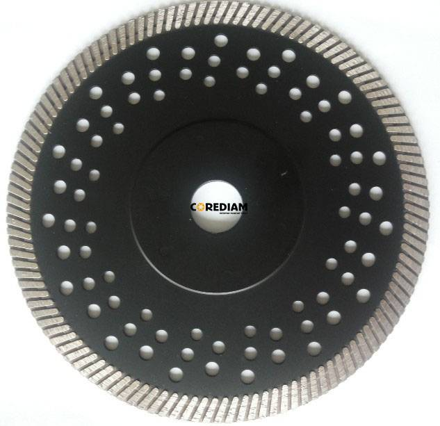 Sintered Turbo Blade with Reinforced Ring