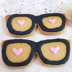 glasses frame shaped cookie cutter
