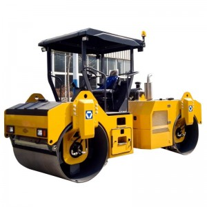 XCMG double drum road roller XD82