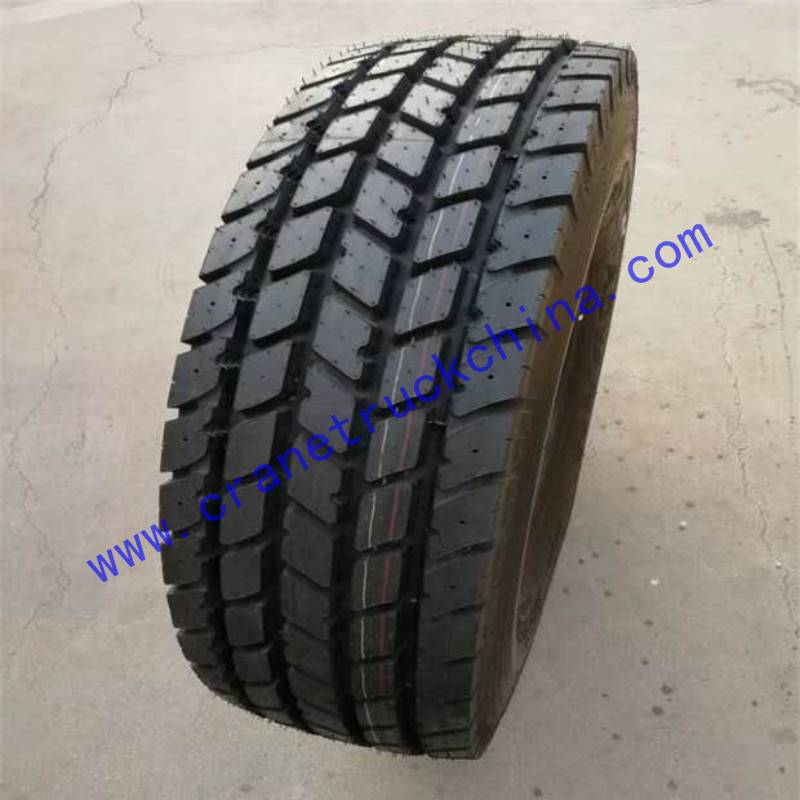 XCMG truck crane tyre different sizes Featured Image