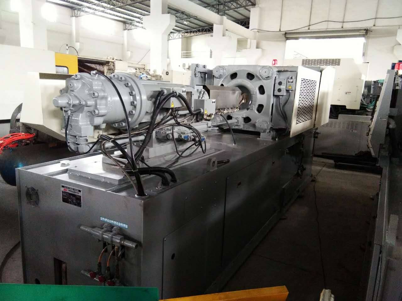 Nissei FN3000 (140t) used Injection Molding Machine