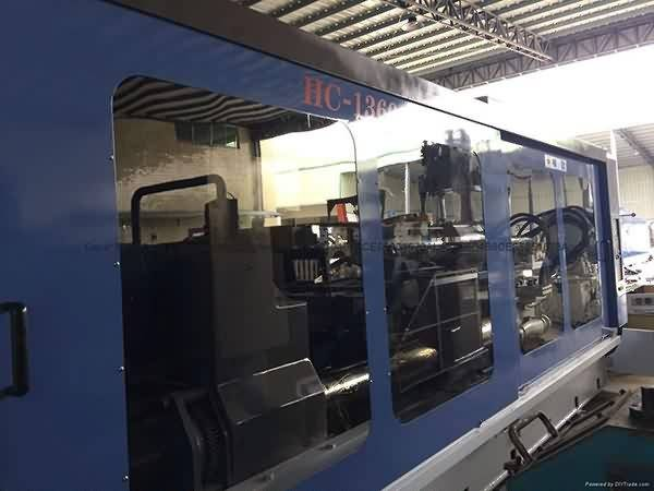 Hwa Chin 1360t used Injection Molding Machine