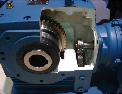 DEVO High Quality S Series SA67 Helical Worm Gearing Arrangement for Textile Industry
