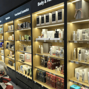 Classic retail store displays and cosmetic shop display for shop interior design