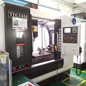 Lathe tool milling cnc machine for metal