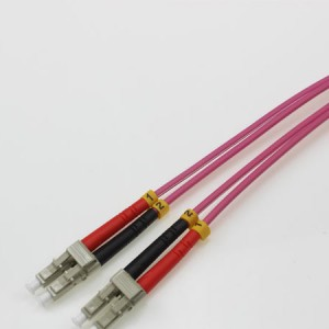 LC UPC-LC UPC MM DX OM4 3.0mm Patch Cord rood paars