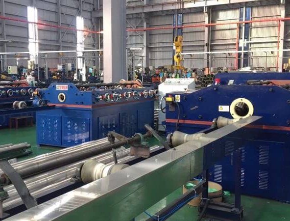 Full Automatic straightening mashine