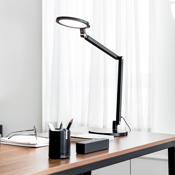 What are the advantages of LED desk lamps