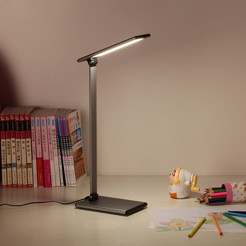 Five criteria for choosing eye protection LED desk lamps