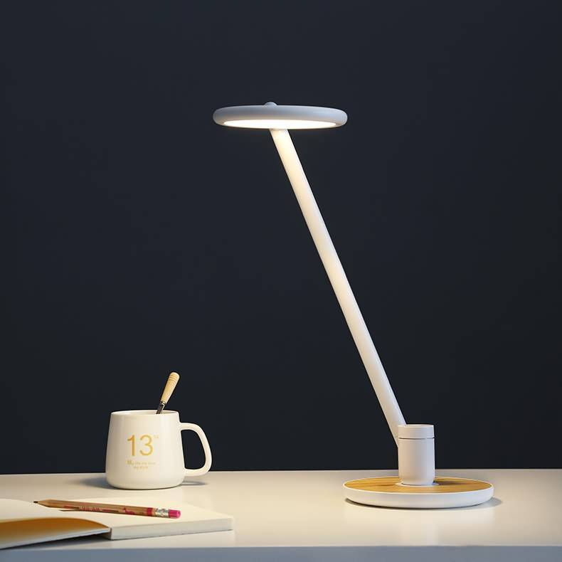 How to choose a lamp so that it doesn't hurt your eyes?