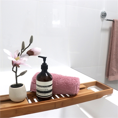 Bath Tub Rack: It is Perfect for Your Relaxing Bath