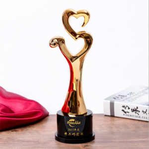 Top quality heart shape crystal gold resin awards and trophies for souvenir  TR0111