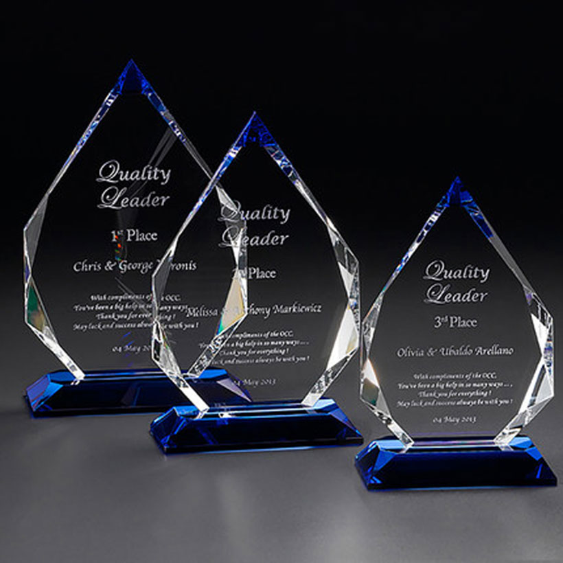 One of Hottest for Custom K9 Crystal Blank Glass Trophy Awards For With Black Base Featured Image