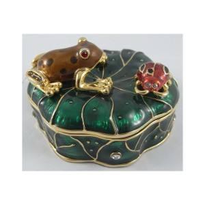 Free Design Green Transparent color animal metal jewelry box