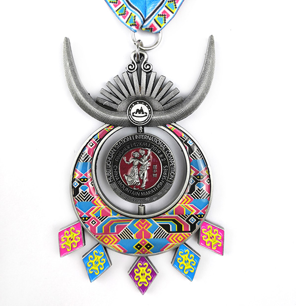 OEM manufacturer Award Medal - Custom Colorful  spinning Moutain Marathon Medal with PVC – Global Art Gifts