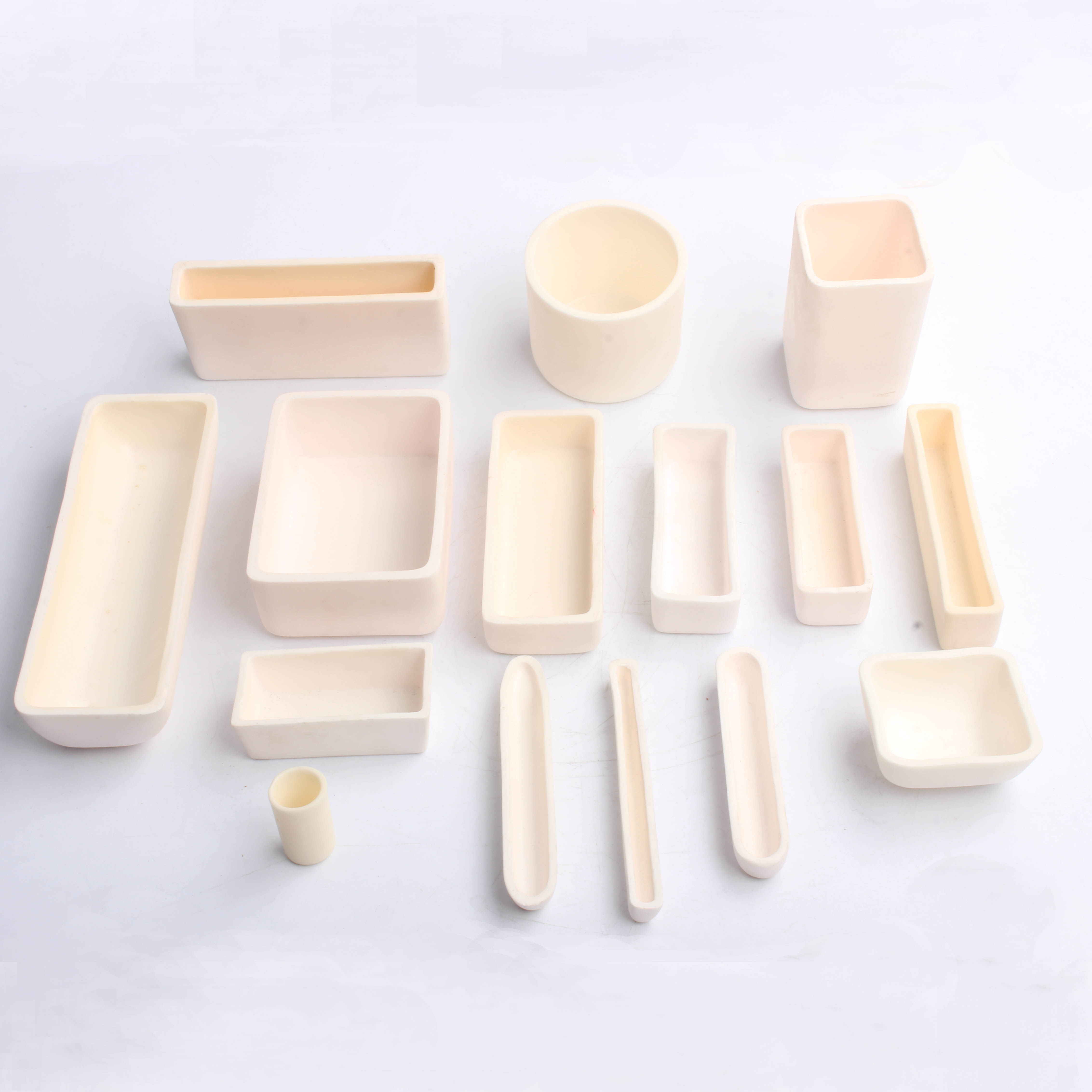 Cheapest Factory 99% Al2o3 Ceramic Tubes Crucibles -