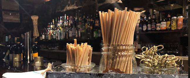 Why use a disposable wheat straw?