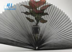 Anti-mosquito retractable pleated screen mesh