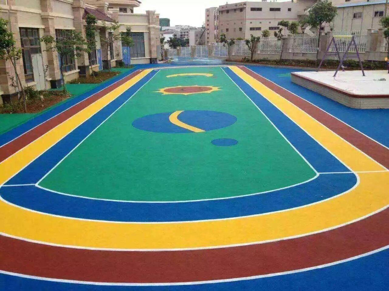 What are the particularities of the color design of the color pavement
