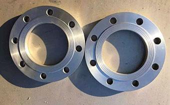How to choose stainless steel flange material?