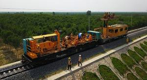 Congrats on the localization of constant tension cable laying truck of contact network of electrified railways in China