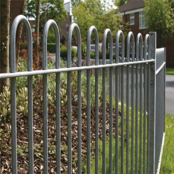 Bow top fence for pleasure ground Featured Image