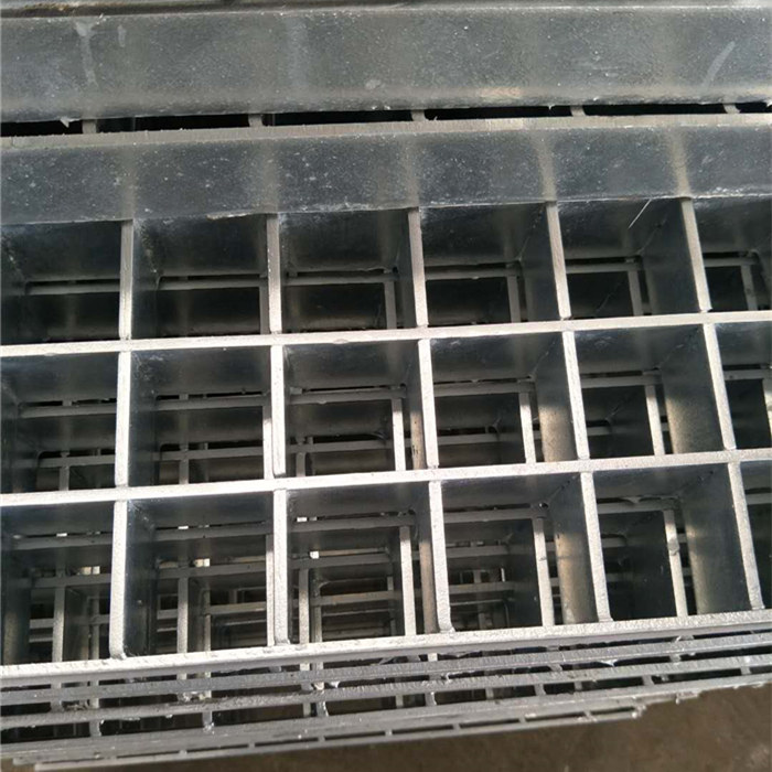 Fixed Competitive Price Galvanized Cyclone Mesh -