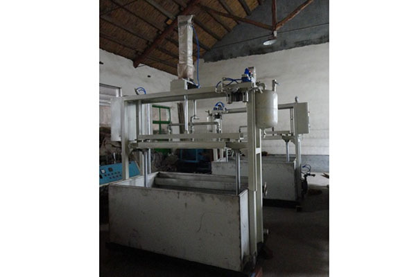 Hot sale Factory Foam Fruit Net Mesh Making Machine - Semi-automatic egg tray machine – JINMENG