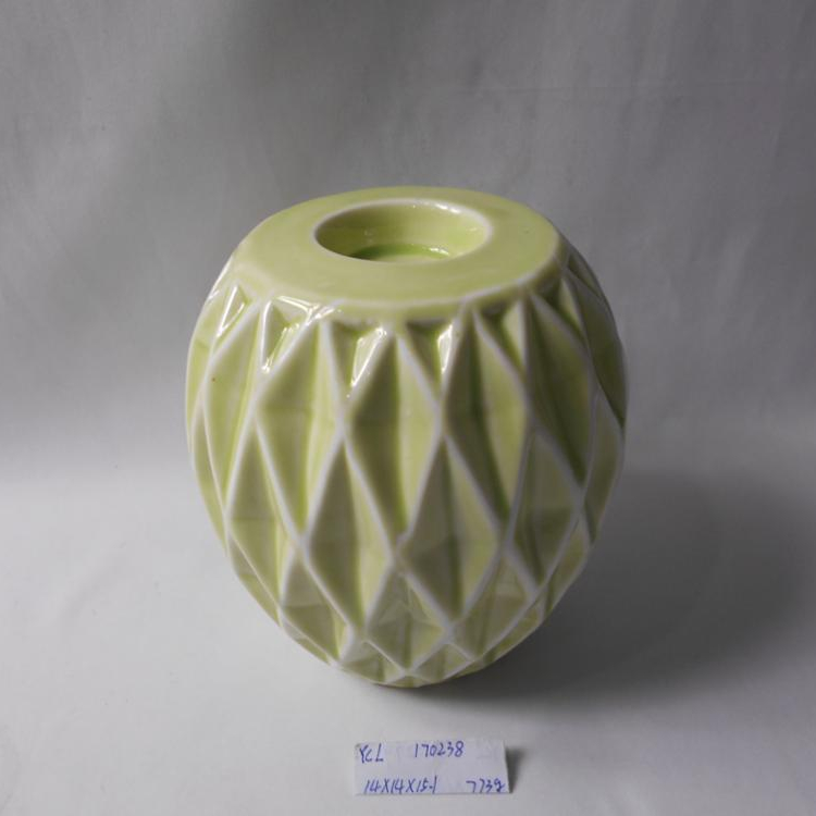 Novel design color ceramic candle holder scraping the glaze effect candle stand