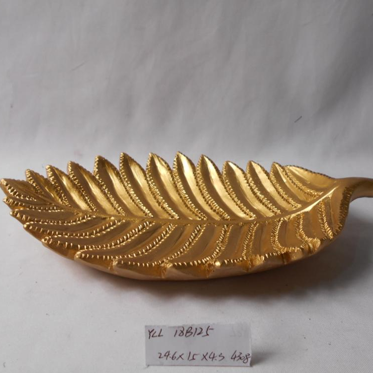 Golden color high-end home decoration leaf shape plating resin dish plate
