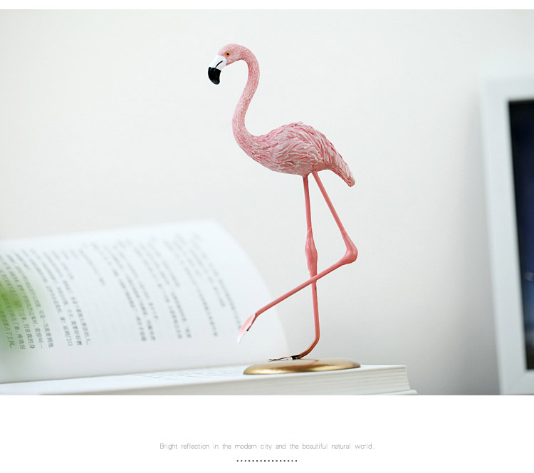 Factory Custom Made Christmas Decoration Hot New Product Resin Pink Flamingo