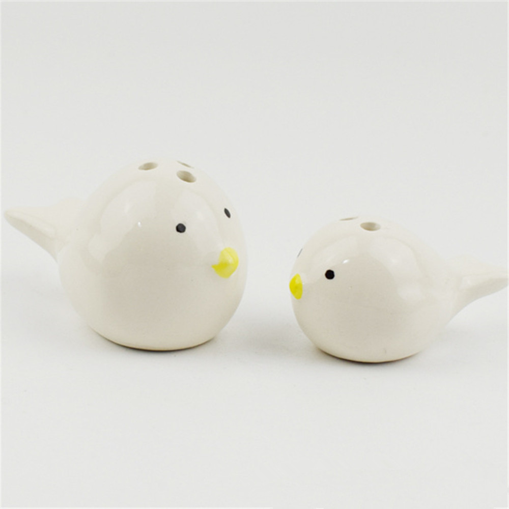 Customized ceramic  animal salt and pepper shakers  small chick salt &pepper shakers