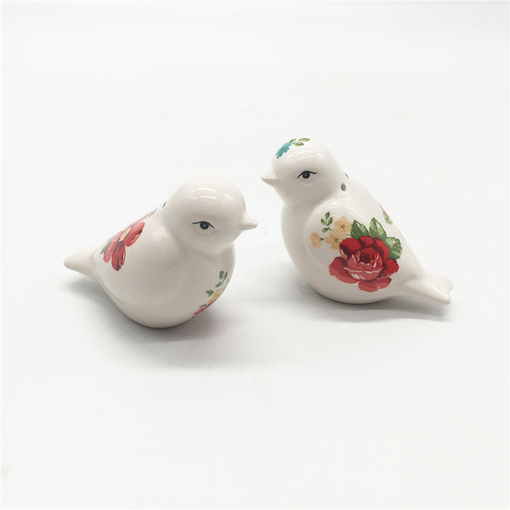 Ceramic  bird shape  salt and pepper shakers wholesale  hand made  salt and pepper shaker set
