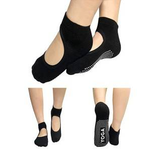 yoga socks with silicone grip