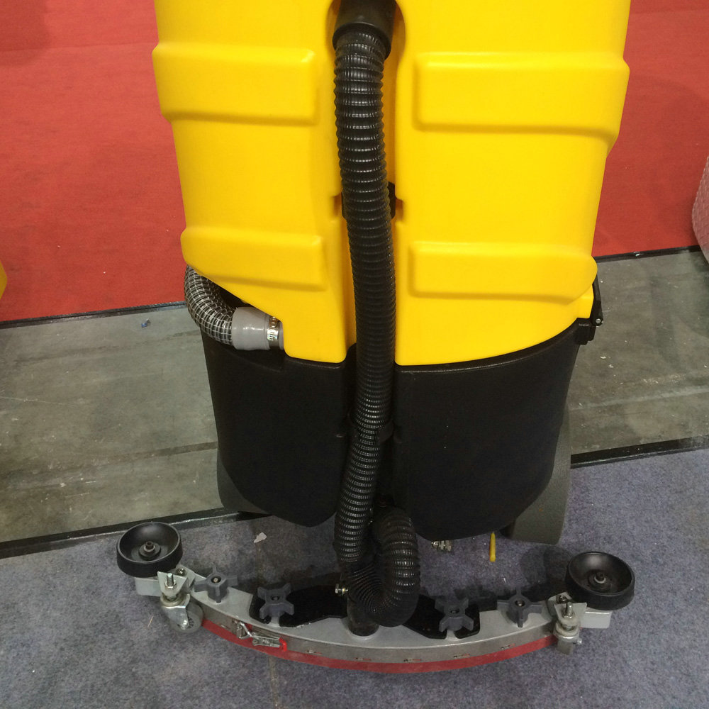 automatic battery ride on floor scrubber C6