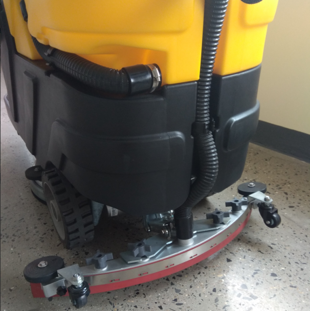 China Ride On Automatic Vacuum Cleaner Floor Scrubber Manufacturer