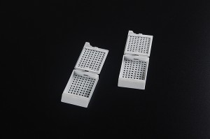 Disposable Biopsy Embedding Cassette Square Holes Snap-latch with Attached Lid