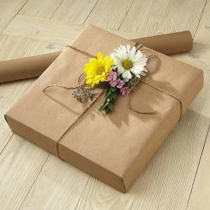 Gift wrapping kraft paper in white or in brown