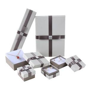Elegant jewelry cardboard packing box with lid