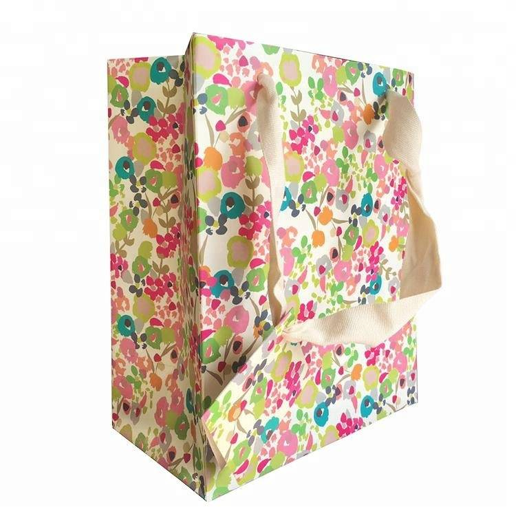 Custom foldable shopping bag gift packing paper bag