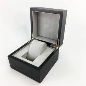 Custom Black Portable Magnet Closure Watch Box for display