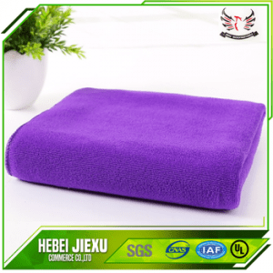 Brush weft knitted microfiber towel
