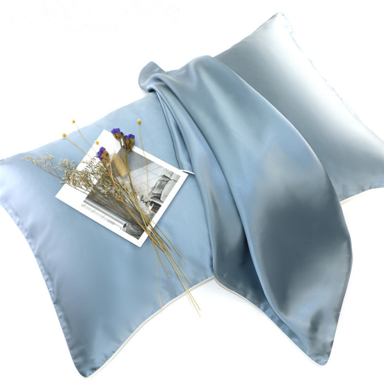 Quality Inspection for Decorative Satin Pillow -