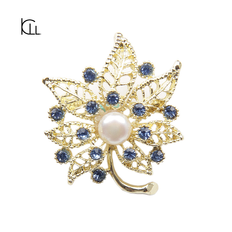 Cheap natural real pearl brooch wholesale maple leaf charms jewelry