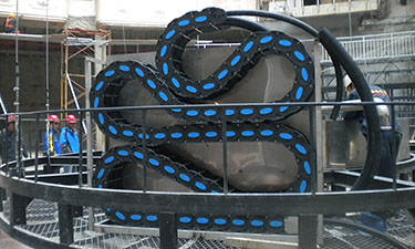 Cable chain for fountain equipment
