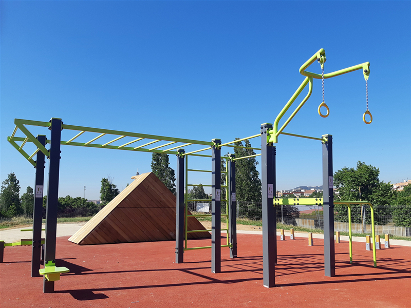 Benefits of using outdoor fitness equipment