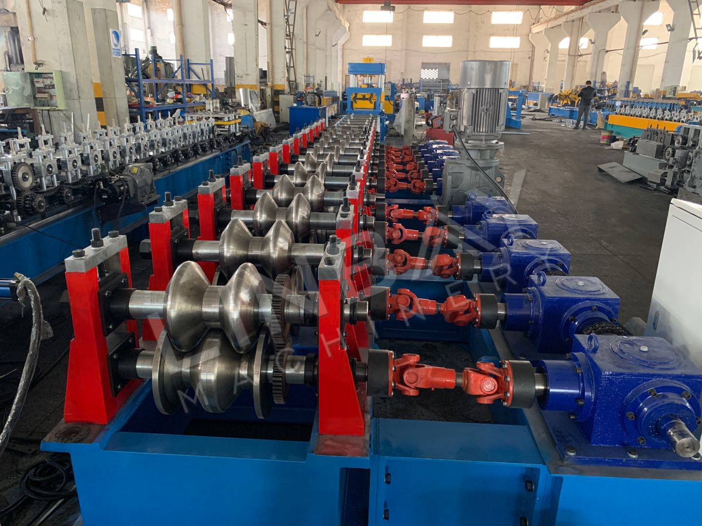 Saudi Arabia-Highway Guardrail Roll Forming Machine