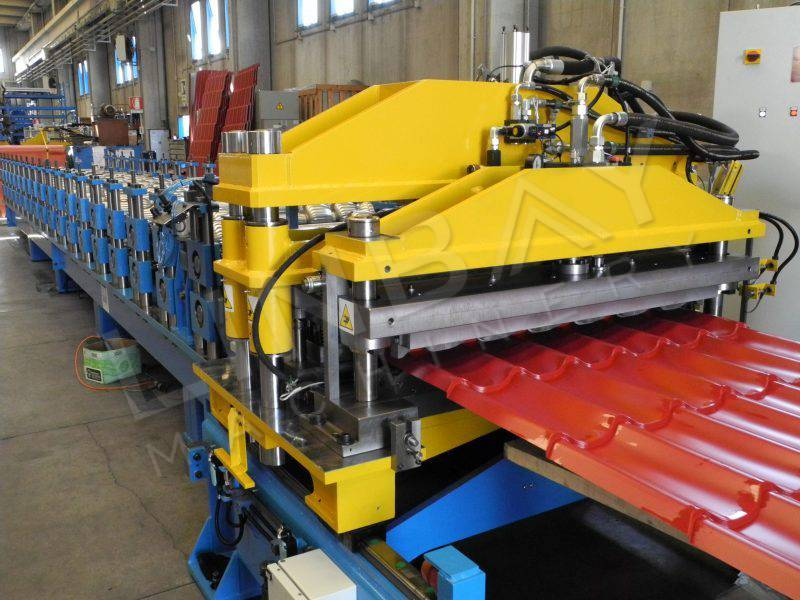 Innovation-Roof tile roll forming machine