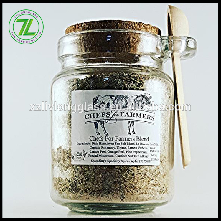 herbs and black pepper use 250ml 8.5oz glass spice jar with cork lid and wooden spoon